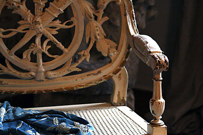 French-antique-armchair-Fra