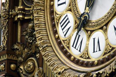 Clock-at-Musee-d'-Orsay