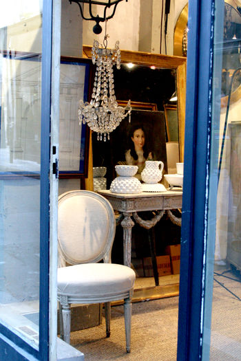 French-antique-shop