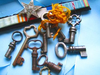 Keys-to-happiness-coreyamar