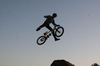 Trick jump BMX