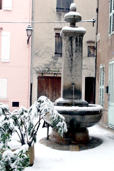 Snow-in-provence