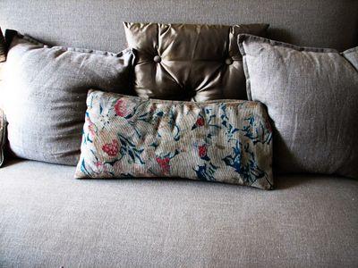 Flowers-on-cushion