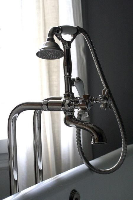Bathtub-shower-faucet