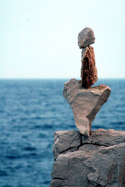 Andy-goldsworthy-style-art