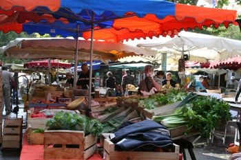 open market in France