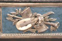 Detail carving