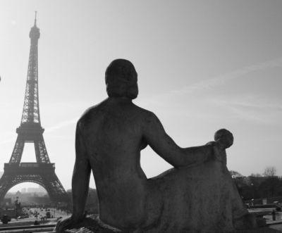 Eiffel tower woman