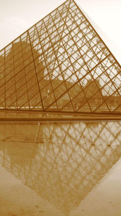 Pyramid Paris