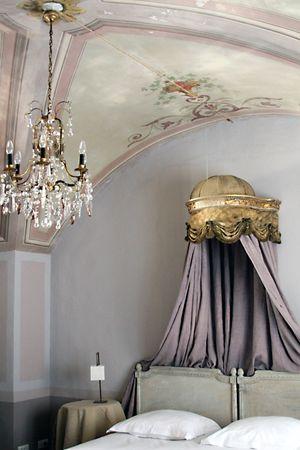 La madone bedroom
