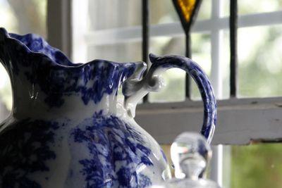 Large-flow-blue-pitcher