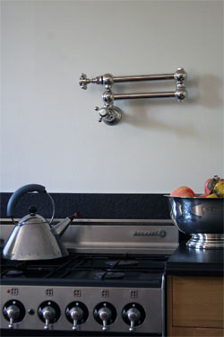 Kitchen-water-spout
