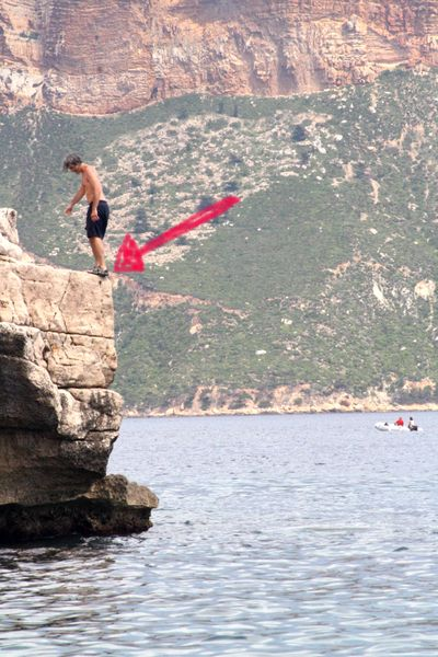 Jumping off cliff cassis