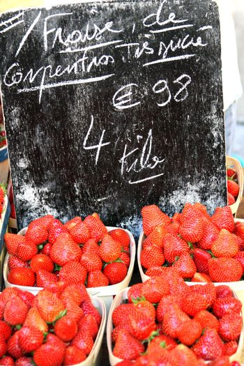 Open-market-strawberries