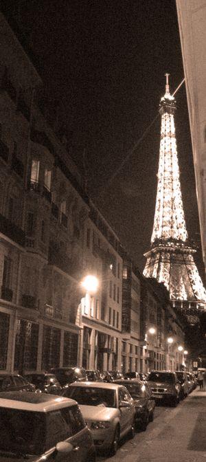 Eiffel tower rue rapp