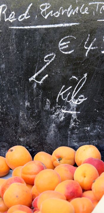 Open-market-apricot