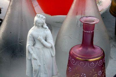 Statue in bisquit
