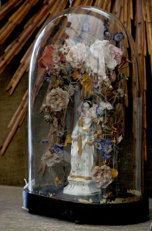 French antique globe de mariage