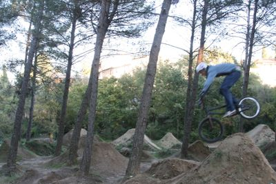 sacha jumping BMX