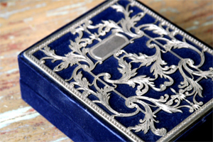 Blue-velvet-silver-lace-box