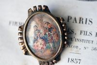 Antique-pin-with-image