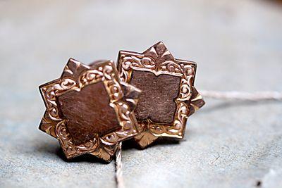Gold-stars-cuff-links