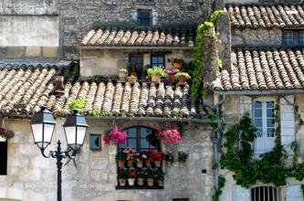 Roof-tiles-arles