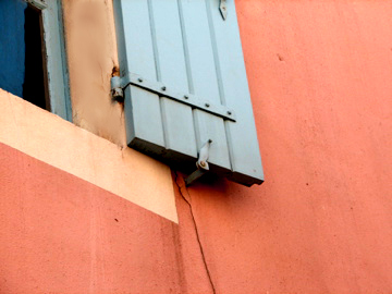 Colors-of-provence-facade
