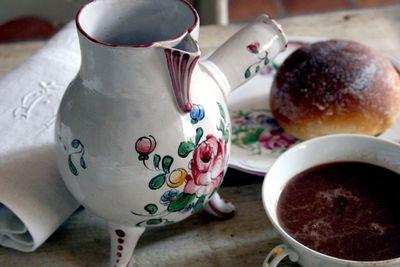 Chocolate-pot