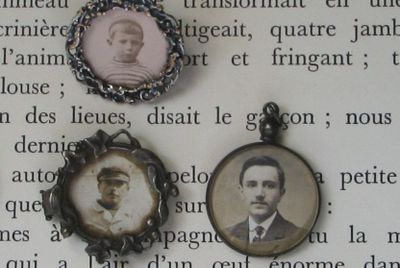 Books and lockets telling stories