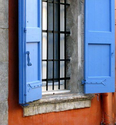 Blue-shutter-provence