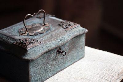 Faded-blue-box
