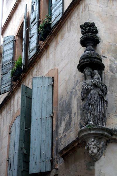 Saint-on-corner