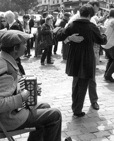 Dancing Rue Mouffetard
