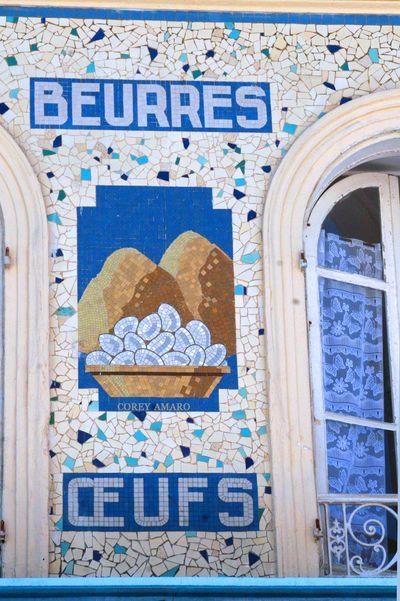Blue-tiles-france