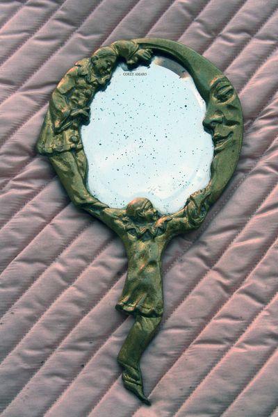 Child's-hand-mirror