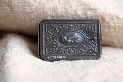 Fountain pen tip holder