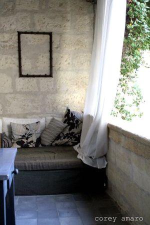 Balcony, albiousse