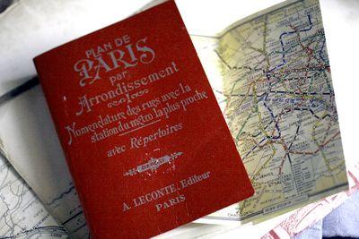 Paris-map-book