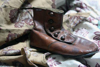 Button-shoe