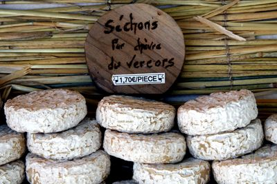 Sechons-goat-cheese