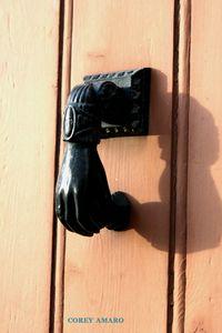 Fatima's-hand-knocker