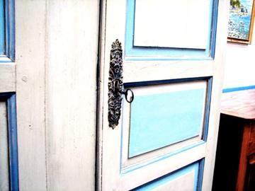 French-antique-market-lock