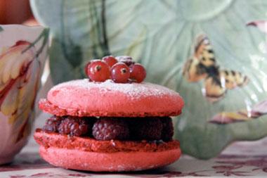 Raspberry-macaron