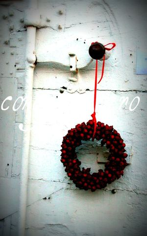 Shutter with wreath