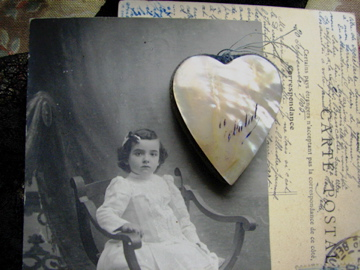 Shell-heart-on-postcard-190