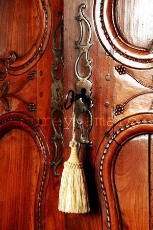 Armoire door
