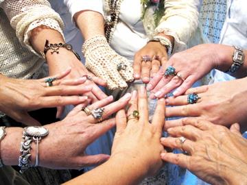 Girl's-hands