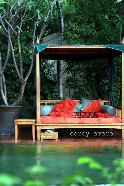 Oriental hotel pool side