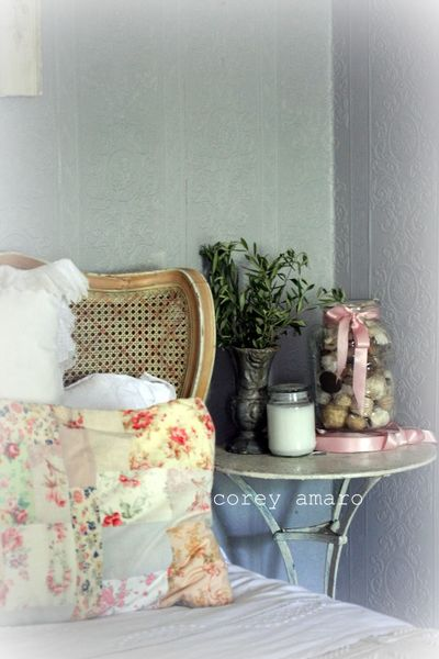 Grey Vintage Bedroom: French Antique Style: Grey And Pink Bedroom